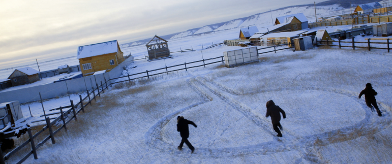 marranzano disegnato sulla neve copy